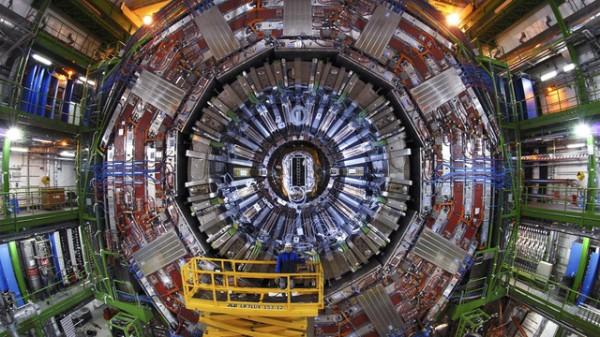 11. O experimento Compact Muon Solenoid (CMS)